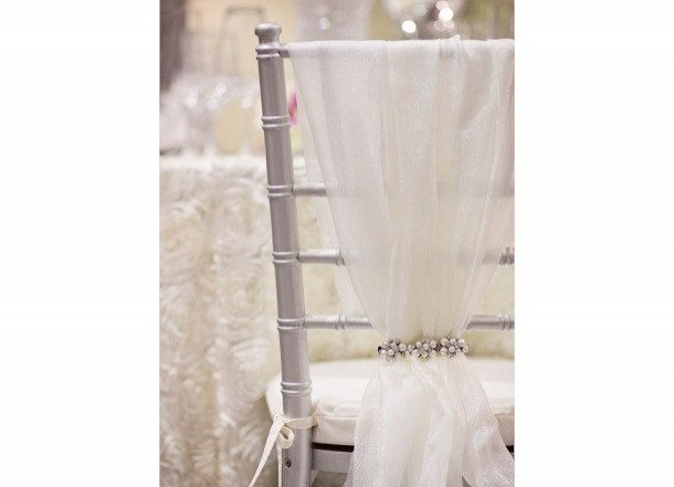 silver-chavari-chair-with-sash